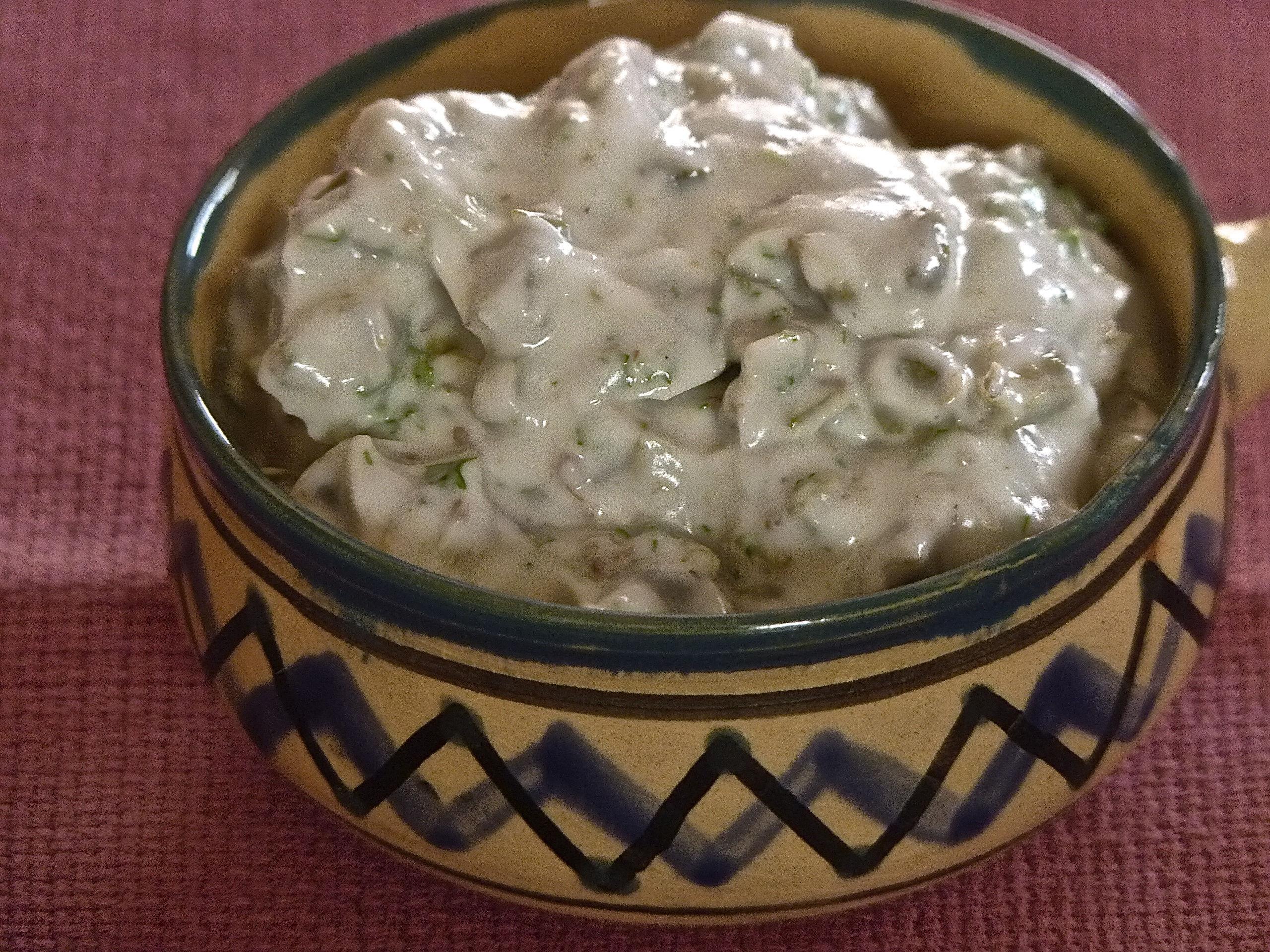 Pikantny sos migdałowo – majonezowy