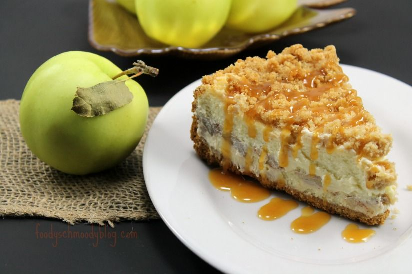 Sernik z jabłkami