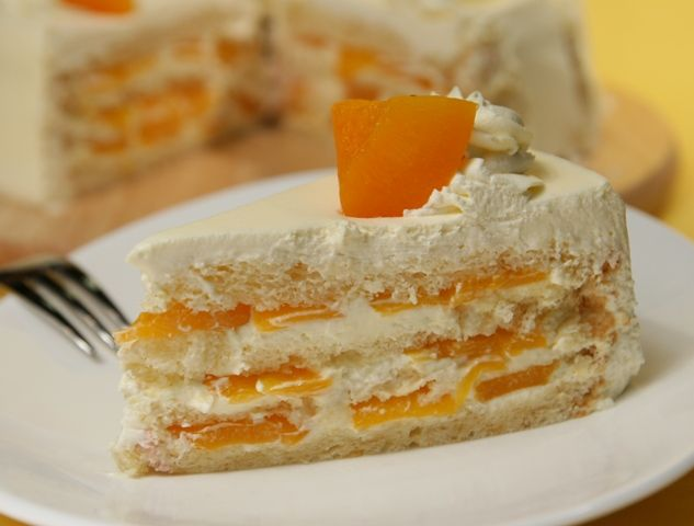 Ciasto genueńskie z brzoskwiniami