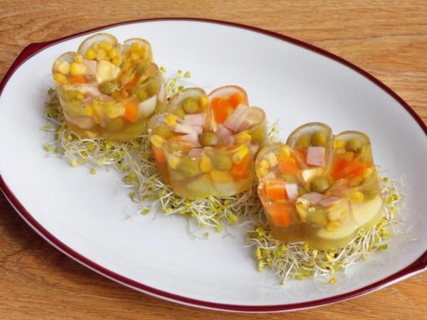 Galaretki z szynką i warzywami