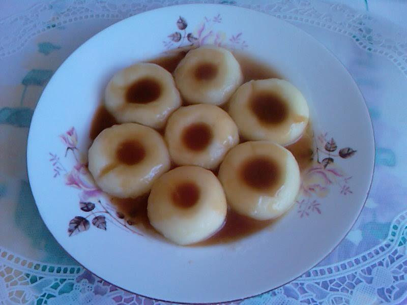 Kluski śląskie z sosem pieczeniowym